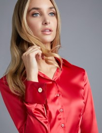 womens-red-fitted-satin-shirt-double-cuff-fdpta002-l01-04-800px-1040px