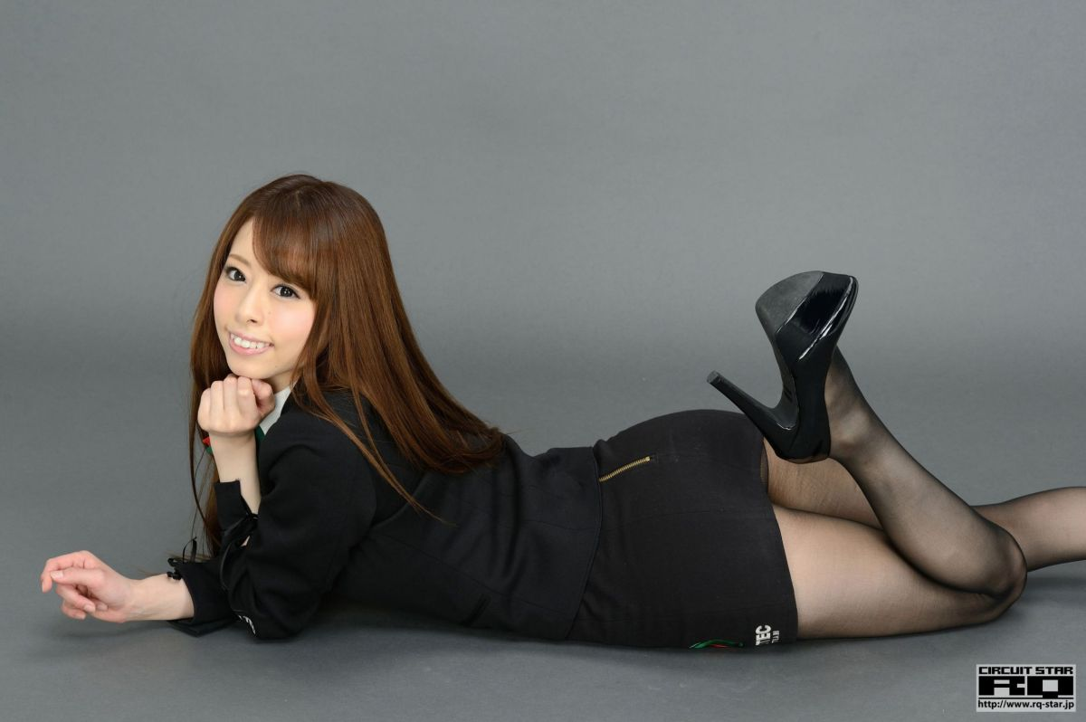 Japanese Office Lady Showing Off Her Tight Body In Pantyhose & High Heels
