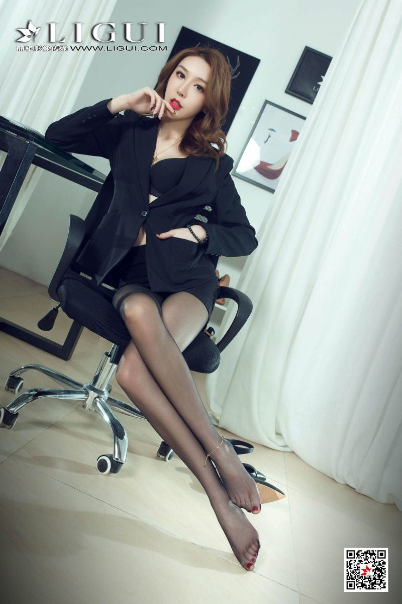 My Naughty Secretary Teasing Me With Her Beautiful Legs & Feet In Pantyhose